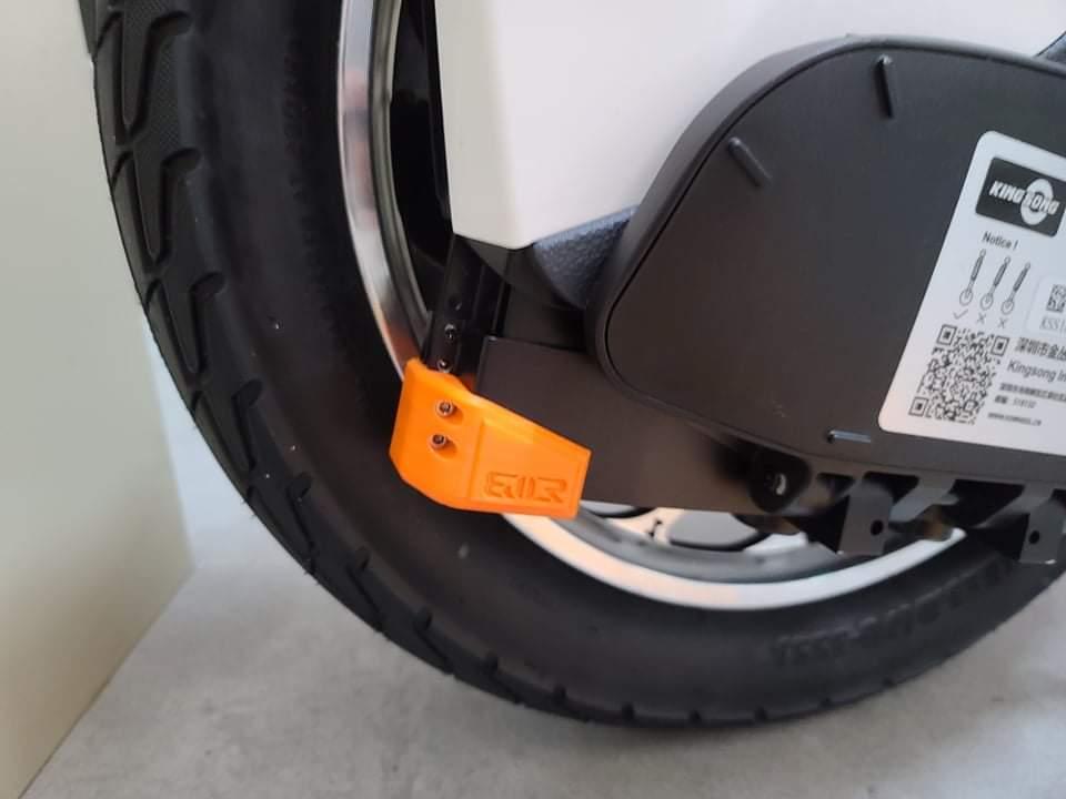 กันชน ฐานยึดแบตเตอรี่ KINGSONG S18 (Battery base Protection Slider for S18)